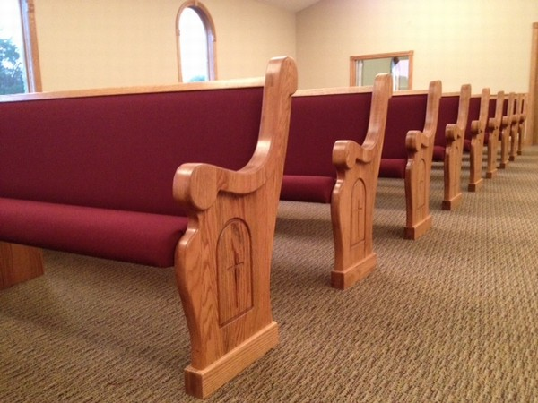 5 Things To Look For In Church Pews Church Pews Church Furniture