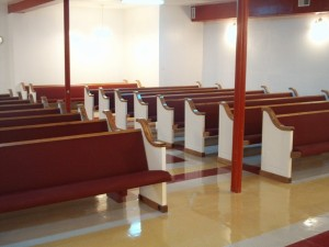 solid-wood-pews